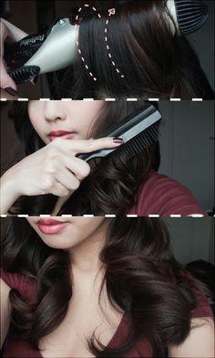 Vintage Hairstyles Tutorial hair tutorial - retro looking curls Vintage Hairstyles Tutorial, 1940s Hairstyles, Fancy Hairstyles, Vintage Curls, Retro Curls, Pin Up Hair, Up Girl, Hair Today, Hair Dos