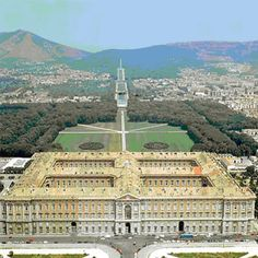 The Royal Palace of Caserta, Unesco World Heritage Site in Campania, Italy. Tourist information for travelers to Campania Versailles, Palaces, Beautiful World, Beautiful Places, Royal Residence, Italian Garden, Baroque Architecture, Beautiful Waterfalls, Royal Palace