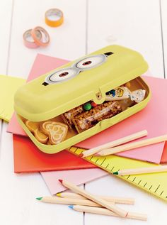 Keep your kiddos organized this school year with our Minion Accessory Oyster! #Tupperware