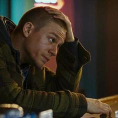 charlie hunnam | Charlie Hunnam Talks DEADFALL, PACIFIC RIM, and SONS OF ANARCHY season ...