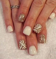 Gold glitters and white nails also works if you want a fab combination for your Chevron nail art.