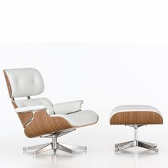 Lounge Chair and Ottoman by Eames de Vitra