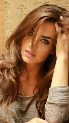 Egyptian hot milf prostitute in car