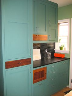 Blog posts about my favorite green kitchen