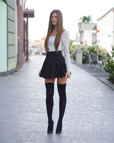 Dominika:「 Over knee socks gatta parigina Do I look like a schoolgirl? Classy Outfits For Teens, Sexy Outfits, Sexy Dresses, Girl Outfits, Cute Outfits, Fashion Outfits, Fashion Tips, Knee Socks Outfits, Pantyhose Outfits
