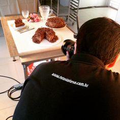 Hoje, tivemos o prazer de acompanhar uma sessão de fotos, juntamente com a equipe Fotosíntese, para a nova campanha da Confeitaria Iceland. Em breve, novidades! #betônico #agênciabetonico #publicidade #propaganda #pp #job #campanha #cliente #confeitaria #iceland #fotos