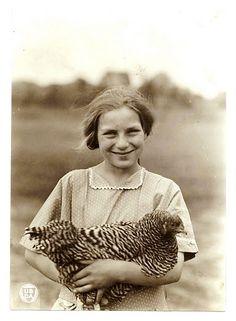:::::::::: Vintage Photograph :::::::::  Smiling farm girl