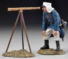 French Foreign Legion FFL031 Legionnaire with Telescope - Made by Thomas Gunn Military Miniatures and Models. Factory made, hand assembled, painted and boxed in a padded decorative box. Excellent gift for the enthusiast.