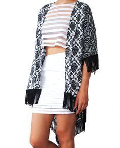 Kimono Geometrico Fondo Blanco