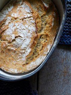 Eltefritt byggbrød med solsikkekjerner Piece Of Bread, Baked Goods, Rolls, Food And Drink, Mat, Baking, Dinner, Buns, Desserts