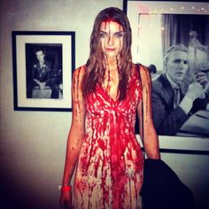 This is probably one of the simplest but most amazing costume to do! #loveit #Carrie
