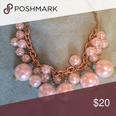 Lilly Pulitzer pearly necklace Lilly Pulitzer pearly necklace Lilly Pulitzer Jewelry Necklaces