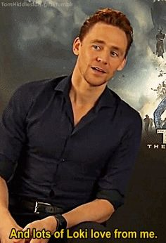 Tom Hiddleston - Lots of Loki love! Thomas William Hiddleston, Tom Hiddleston Loki, Beau Gif, Dc Memes, Grown Man, Tom Holland, Thor, Loki Avengers, Belle Photo