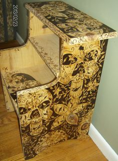 Paint or wood burning would work Wood Burning Crafts, Wood Burning Patterns, Wood Burning Art, Wood Crafts, Diy And Crafts, Dark Furniture, Painted Furniture, Furniture Ideas, Dremel Wood Carving
