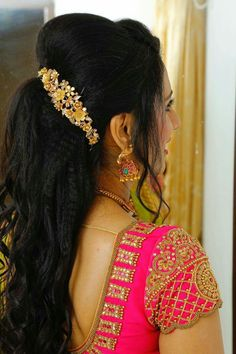61 Ideas For Embroidery Blouse Designs Grand Pattu Saree Blouse Designs, Blouse Designs Silk, Designer Blouse Patterns, Bridal Blouse Designs, Hand Work Blouse Design, Aari Work Blouse, Maggam Work Designs, Blouse Models, Flower Hairstyles