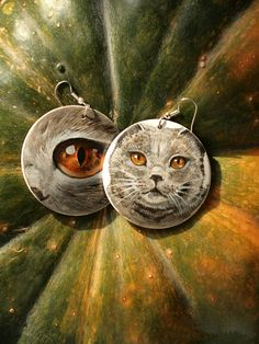 Wooden earings with handpainted british cat by SkadiaArt on Etsy