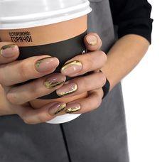 Pin on Nageldesign - Nail Art - Nagellack - Nail Polish - Nailart - Nails Gold Manicure, Gold Nail Art, Nude Nails, Manicure And Pedicure, Manicure Ideas, Hot Nails, Hair And Nails, Nail Art Designs, Nail Design