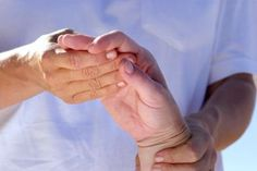 Symptoms of psoriatic arthritis include inflammation of the knees, ankles and joints. People with psoriatic arthritis may experience swelling and pain in the Stroke Therapy, Ot Therapy, Hand Therapy, Physical Therapy, Therapy Ideas, Inflammatory Arthritis, Arthritis Symptoms, Psoriatic Arthritis, Juvenile Arthritis