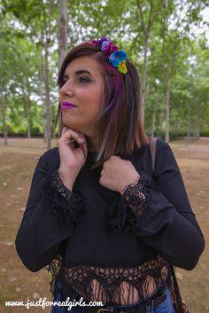Buenos y soldados días de domingo! Por fin las nubes han dado paso al sol!   Y nada mejor que un look boho, cargado de flores para días tan alegres! Más en: http://www.justforrealgirls.com/2016/05/boho-chic-crear-look-espiritu-bohemio.html #Lookboho #bohochic #tdsmoda #justforrealgirls #fashionblogger #bloggerlife #bloggerssevilla #ootd #outfitoftoday