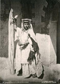 Algérie, Leroux, femme Ouled Naïd vintage print. Photomécanique 20x25 C