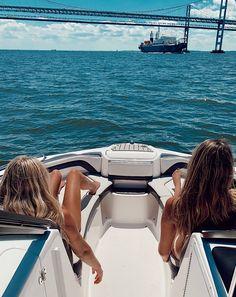 Summer Beach, Summer Vibes, Boat Pics, Cute Friend Pictures, Summer Goals, Summer Aesthetic, Summer Bucket, Best Friend Goals, Summer Pictures