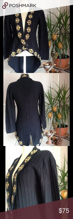 Vintage 80s Tuxedo Sweater Rare Anne Pinkerton Immaculate Condition Vintage early 80sAnne Pinkerton Tuxedo Sweater with gold print medallion along lapel. Wide rib accent in the knit throughout.. Lightweight, front single front button. Rare and Unique. Size Medium but fits size S-M 4/5 to 7/8. Like New condition. Price firm sorry no offers on this piece. Anne Pinkerton Sweaters