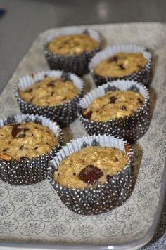 Katrines opskrifter: Muffins med banan, chokolade og havregryn Lchf, No Bake Cake, Sweet Tooth, Favorite Recipes, Cookies, Eat, Breakfast, Desserts, Food