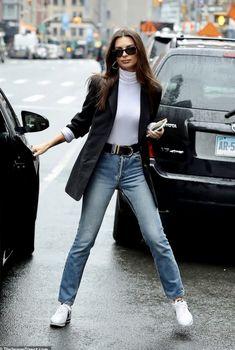 Emily Ratajkowski - Black Blazer paired over a white rollneck top and blue jeans and white trainers Nyc Fashion, Blazer Fashion, Look Fashion, Daily Fashion, Fashion Sets, Aesthetic Fashion, Woman Fashion, Fashion Styles, Looks Street Style
