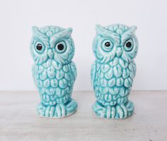 Vintage turquoise owl salt and pepper shakers