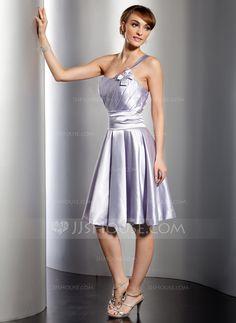 Vestidos princesa/ Formato A Um ombro Joelho de comprimento Charmeuse Vestido de madrinha com Pregueado (022014764)