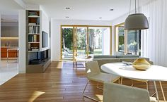 Wygodny 3 - wizualizacja 4 - Nowoczesne projekty domów z garażem dwustanowiskowym i dachem dwuspadowym