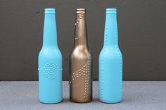 Uno de los elementos mas sencillos y económicos para decorar una habitación son las botellas de vidrio. Su forma es tan sobria y elegante q...