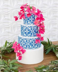 It's so exciting to finally get to share this Santorini-inspired cake with the world! This style shoot was incredibly beautiful and well thought out and brought Greece to Arizona. I'm thrilled to have this cake featured on @inspiredbythis today! I love this color palette so much with the cobalt blue tile and the bright pink SUGAR bougainvillea cascading down the cake. It's just perfection! The amazingly talented, and FUN, team of vendors includes: Photography: @karleekphotography   Venu...