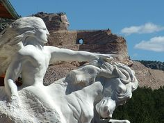 Crazy Horse Monument, South Dakota - begun by Polish-American sculptor Korczak Ziolkowski in 1948 and continued by his wife, children, and grandchildren. Wonderful Places, Great Places, Places To See, Crazy Horse, Wyoming, Montana, South Dakota Vacation, Colorado, First Nations