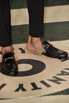 5b6e8cbd7a0 Wiz Khalifa Wears Gucci Fur Loafers To 2016 Vanity Fair Oscar .