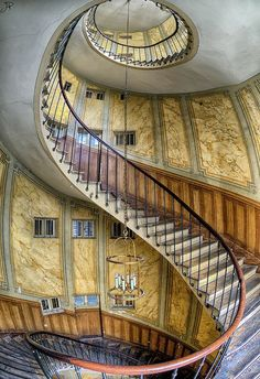 Staircase at La Galerie Vivienne, Paris, France I'd like to paint a dragon on the belly of those stairs Stairs And Staircase, Take The Stairs, Grand Staircase, Staircase Design, Spiral Staircases, Stair Design, Abandoned Buildings, Abandoned Mansions, Abandoned Places