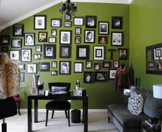 Nate Berkus House Proud: Family Photo Wall Green Painted Rooms, Green Rooms, Interior Design Blogs, Beautiful Living Rooms, Beautiful Interiors, Room Pictures, Hanging Pictures, Family Pictures, Office Makeover