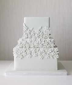 One can also create a contemporary and modern look with their wedding cake by having all of the decorations on it in one color that is the same as the base color.