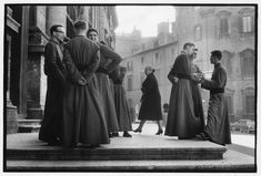 Cartier Bresson Rome Italy 1959  3 a superb study of groups