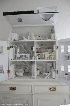 doll houses Mitt hem - Ett inredningsalbum p StyleRoom av leilin Kids Doll House, Doll House Plans, Barbie Doll House, Miniature Furniture, Doll Furniture, Dollhouse Furniture, Modern Dollhouse, Big Girl Rooms, Play Houses