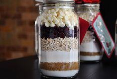Gifts in a jar- cookie mix from Creative Junkie Cookie Mix Jar, Mason Jar Cookies, Mason Jar Gifts, Mason Jars, Gift Jars, Easy Diy Christmas Gifts, Christmas Gift Decorations, Christmas Gift For You, Holiday Gifts
