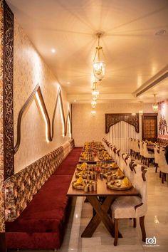 Rajwada- The Traditional Style Restaurant In Jabalpur Cozy Restaurant, Restaurant Seating, Luxury Restaurant, Restaurant Interior Design, Modern Interior Design, Bar Counter Design, Interior Design Presentation, Wall Decor Design, Architects