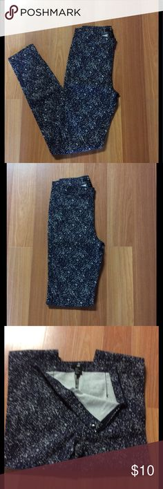 NWOT Black with White speckles H & M pants Size 2 H & M pants that zip on the side. Pants are NWOT, washed but never been worn. H & M Pants Skinny