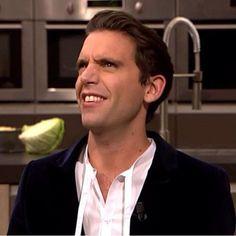 "Mika .. adoro queste ""smorfie"""