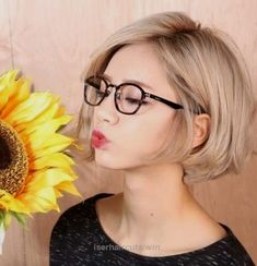 Bob Frisuren Mit Brille Aa Frisuren Pinterest Hair Styles