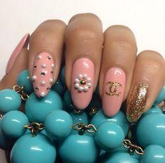 Chanel Nails uñas de chanel