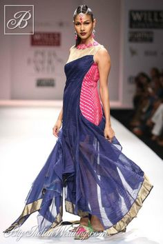 Vaishali S Indian ethnic wear collection : Saree Dress