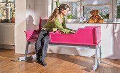Eine Babywiege gehört zur Ausstattung für ein Neugeborenes. Unsere Wiege-Bank bietet außerdem einen Sitzplatz für Mama oder Papa. Befolge einfach unsere Bauanleitung und im Nu das praktische Babybett fertig.