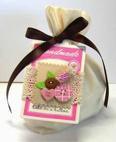 Beth-A-Palooza: Valentine's Day Button Tag Bags Button Tag, Sewing Cards, Arts And Crafts, Paper Crafts, Happy Valentines Day, Valentine Ideas, Card Tutorials, Scrapbook Pages, Scrapbooking