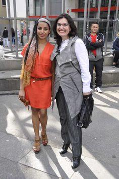 #Modefans unter sich - die frischgebackenen First Shopping Lady Ramanpreet Kaur mit Stilberaterin und Jurymitglied Elena Grätz #Reutlingen #Ladies #Day #Shopping #Lady #Rot #Fashionista #Mode #Style #Fashion #2015